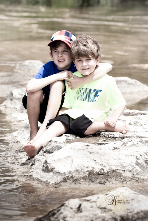 Outdoor portrait, brothers - Austin, TX